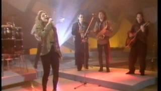 "Gloria Estefan & the Miami Sound Machine - ""Oye Mi Canto (Hear My Voice)"" on BBC show Wogan 1989"