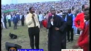 Baixar Miracle Flash - Evang Dan C. Daniels from Nigeria in Congo