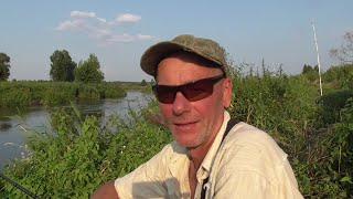 Саня где трофей Ловля сома на мелководье Рыбалка на реке Свислочь в Беларуси