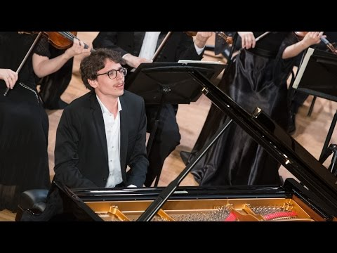 Lucas Debargue Plays Ravel - Piano Concerto In G Major (Toulouse, 2017)