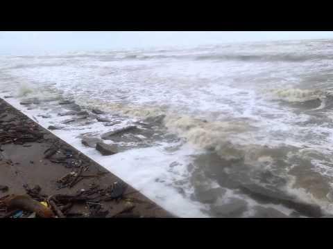 Tropical Storm Bill Galveston Seawall, 9:20 am CT June 16, 2015