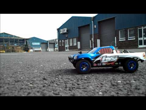 LOSI 1:24th Scale Brushless Shortcourse Truck RTR.mp4