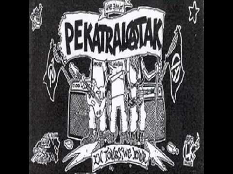 Pekatralatak - In Tours We Tour (Live 2002)