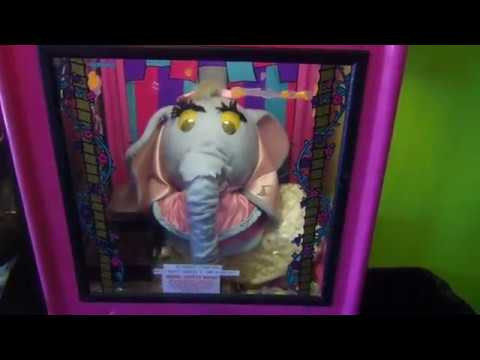 Vintage Coin Operated Jumbo the Elephant Novelty Vendor Amusement Arcade Machine