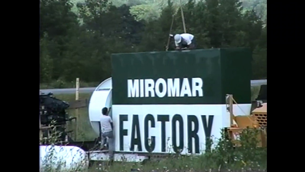 Miromar Outlet Sign Installed  7-21-93