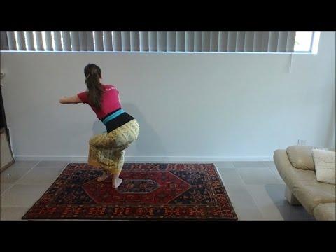 Learn Balinese dance Tari Sekar Jagat dari belakang