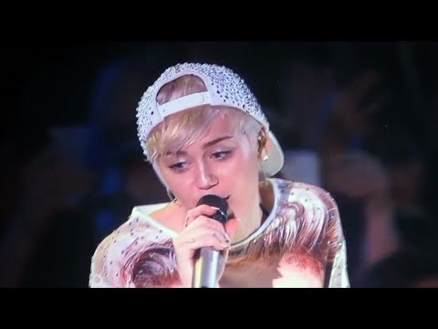 Miley Cyrus - Landslide (Fleetwood Mac Cover)