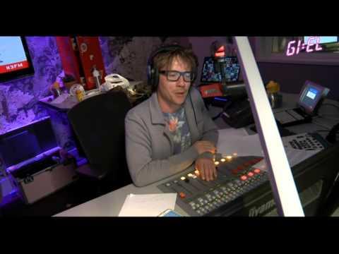 giel-hoort-live-tijdens-uitzending-dat-david-bowie-is-overleden