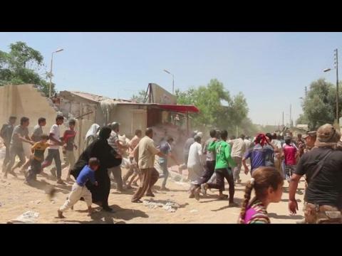 أخبار حصرية - شاهد لحظة سقوط قذيفة على مدنيين في الموصل