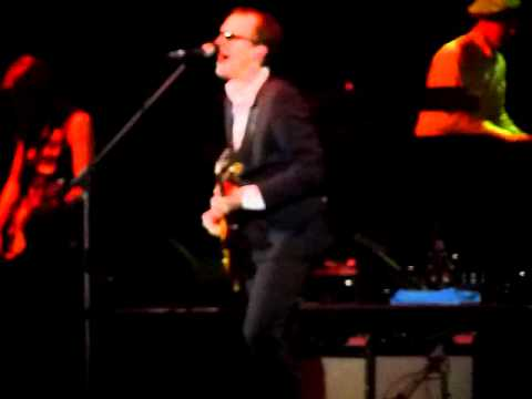 Joe Bonamassa, Bernie Marsden & Eilidh McKellar - Give Me One Reason