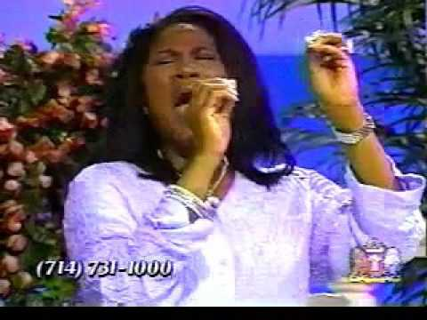 Juanita Bynum Speaking Her Mind And The Crowd Goes Into A Ugly Praise!