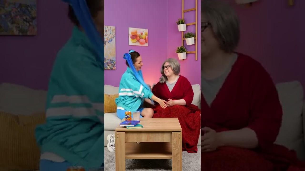 TIKTOK GIRLS TESTING VIRAL HACKS ON MOM AND GRANDMA 👩🆚👵 || #SHORTS