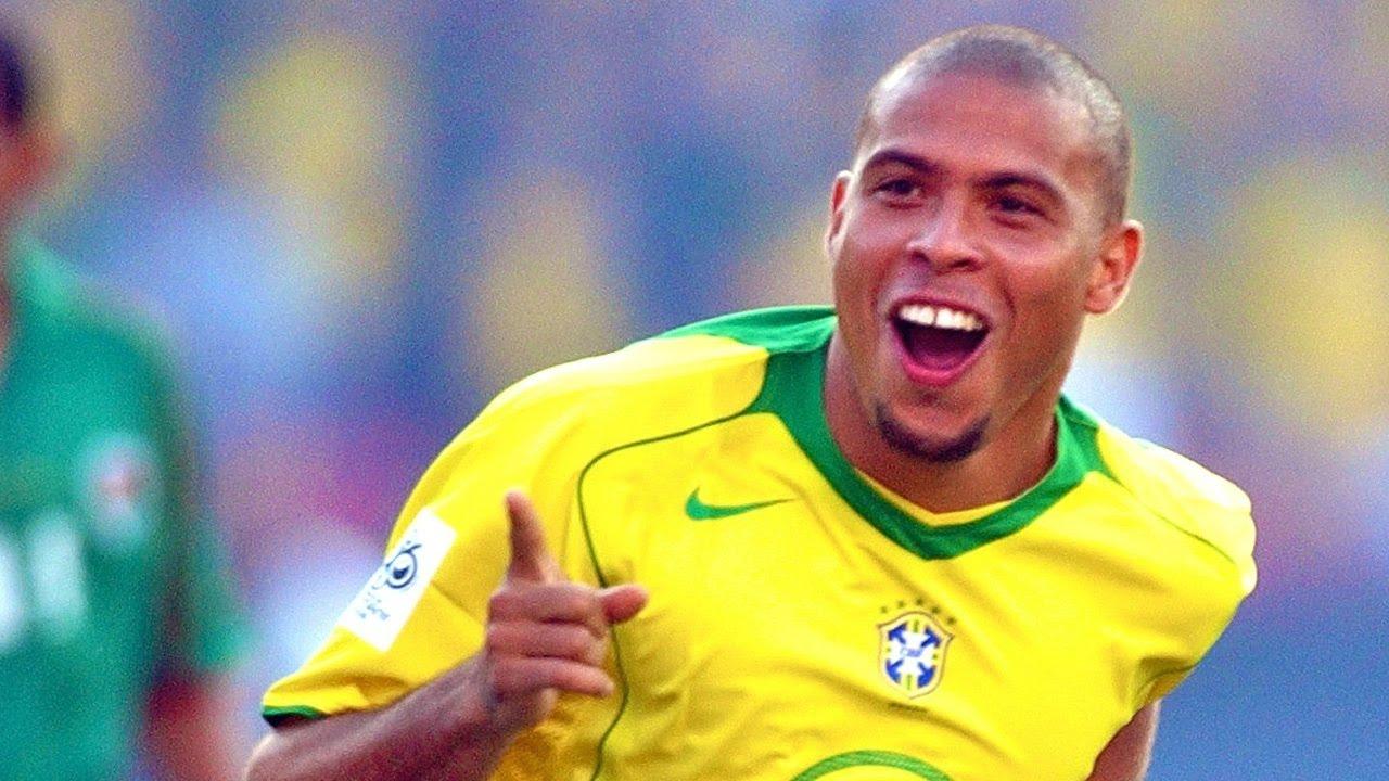فيديو قصة حياة رونالدو البرازيل الظاهره Soccer Superstars - Ronaldo (Documentary)