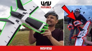 Flying the BRAND NEW ZOHD DART XL fpv wing. We look at the pros and...