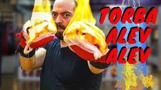 Yanan Boks Eldiveni ile Kick Boks Yapmak!!
