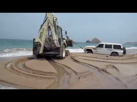 4x4 Stuck at the Beach in Al Aqaa - High Tide Sea Water Coming In!