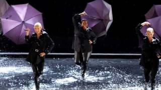 Glee - Singing in the Rain/Umbrella [LYRICS]