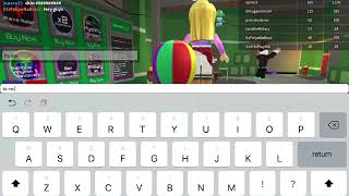 """Playing ROBLOX on the """"NEW 2018 iPad 6"""""""