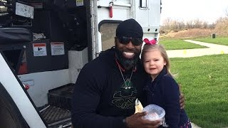 Adorable Kid Is Obsessed with Her Garbage Man | What's Trending Now