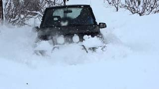 Snow wheeling Suzuki vitara/ side kick(Suzuki vitara powered by a bmw 318is engine with dunlop grandtrek sj6 31x10.5in tires 20/2/2015 in zahle lebanon., 2015-02-22T14:42:53.000Z)