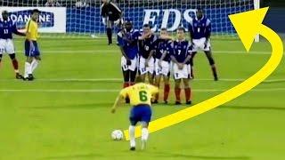 Los 10 MEJORES GOLES de TIRO LIBRE del MUNDO | Videos de Fútbol
