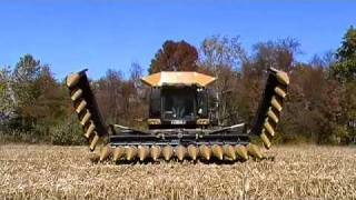 Folding 24 row corn head