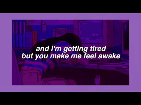 home alone // beabadoobee (lyrics)