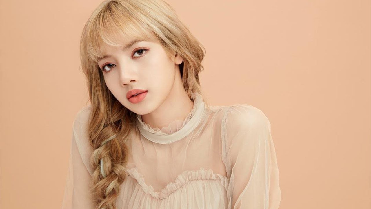 Blackpink Lisa Makes Netizen Melt Because Of The More