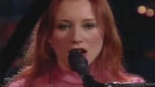 Tori Amos - Real Men - Late Late Show with Craig Kilborn - November 16, 2001