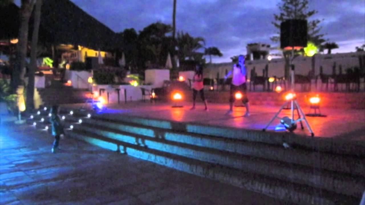 Zumba night puravida resort jardin tropical youtube for Hotel puravida jardin tropical