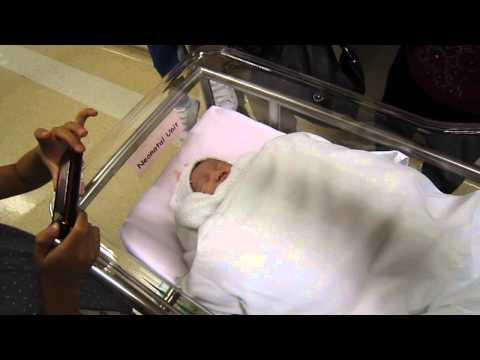 Wong Ching Yan Giving birth