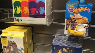 "Video Off The Pegs: Beatles ""Love"" souvenir shop at Circue De Soleil in Las Vegas (in-store video) download MP3, 3GP, MP4, WEBM, AVI, FLV Juli 2018"