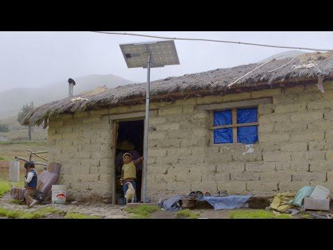 Energía solar ilumina zonas rurales de Bolivia