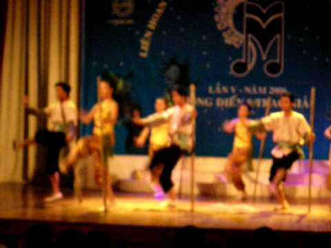 VNXK - ĐHKT Múa Cánh cò quê tôi - Nốt nhạc xanh 2006.
