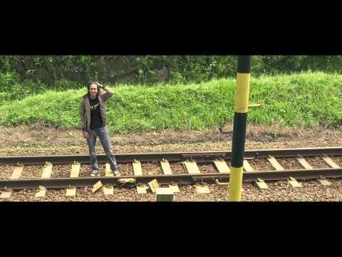 PERAHU KERTAS - Official Trailer