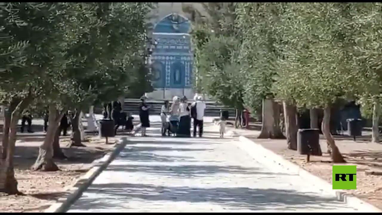 مئات المستوطنين يقتحمون المسجد الأقصى  - 18:55-2021 / 9 / 22