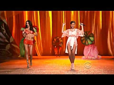 Rihanna - Phresh Out The Runway (Live Victoria's Secret)