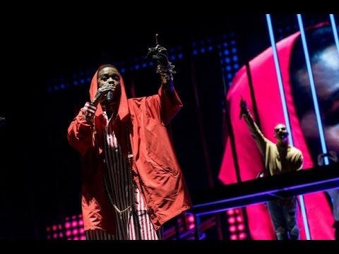 DJ Snake Brings Out Lauryn Hill at Coachella - Legendary ...