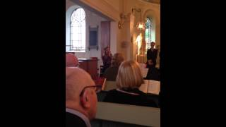 "Josefine Persson sjunger ""Älskade barn"""