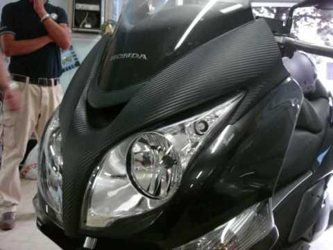 NonSoloMusica (Genova) Car Wrapping di-noc 3m carbonio nero scooter honda
