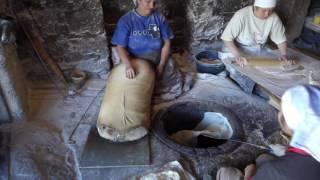 Традиционное приготовление армянского лаваша в Армении