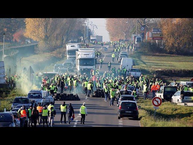 <span class='as_h2'><a href='https://webtv.eklogika.gr/gallia-odigos-skotose-diadiloti' target='_blank' title='Γαλλία: Οδηγός σκότωσε διαδηλωτή'>Γαλλία: Οδηγός σκότωσε διαδηλωτή</a></span>