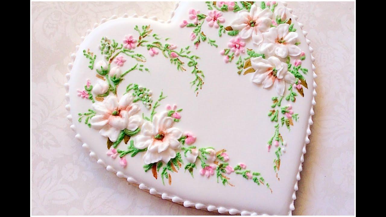 Icing Flowers On Wedding Cake
