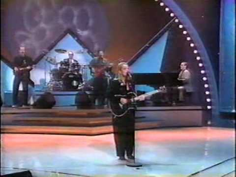 Mary Chapin Carpenter - I Feel Lucky (LIVE)