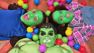 Hulk vs Real Hulk Food Fight! - Shiloh And Shasha Green Face Grinch Prank - Onyx Kids