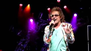"""Starship   Mickey Thomas """"Nothing's Gonna Stop Us Now"""" @Epcot 05/16/2019"""