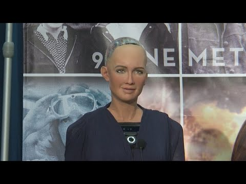 'Sophia The Robot' Visits Century College