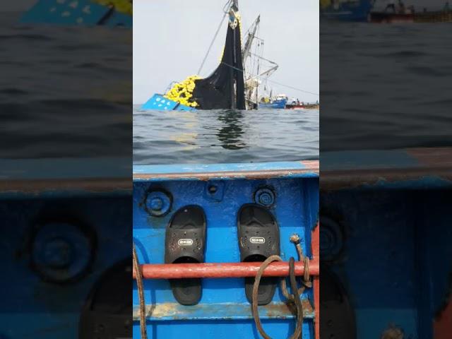 Lancha SUSAN VI, a pique en Malabrigo tras chocar con la embarcación INCAMAR 1 - Parte 3