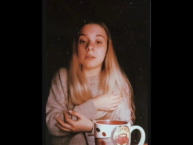 Изображение предпросмотра прочтения – АнастасияКамнева читает произведение «В этом мире я только прохожий...» С.А.Есенина