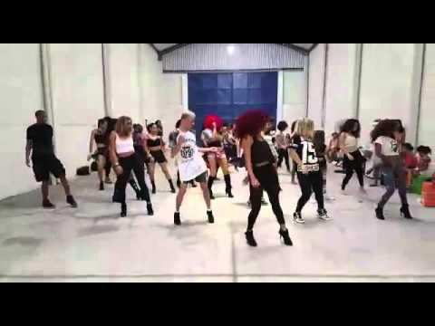 Sim - Anitta feat Cone Crew / Coreografia - Arielle Macedo